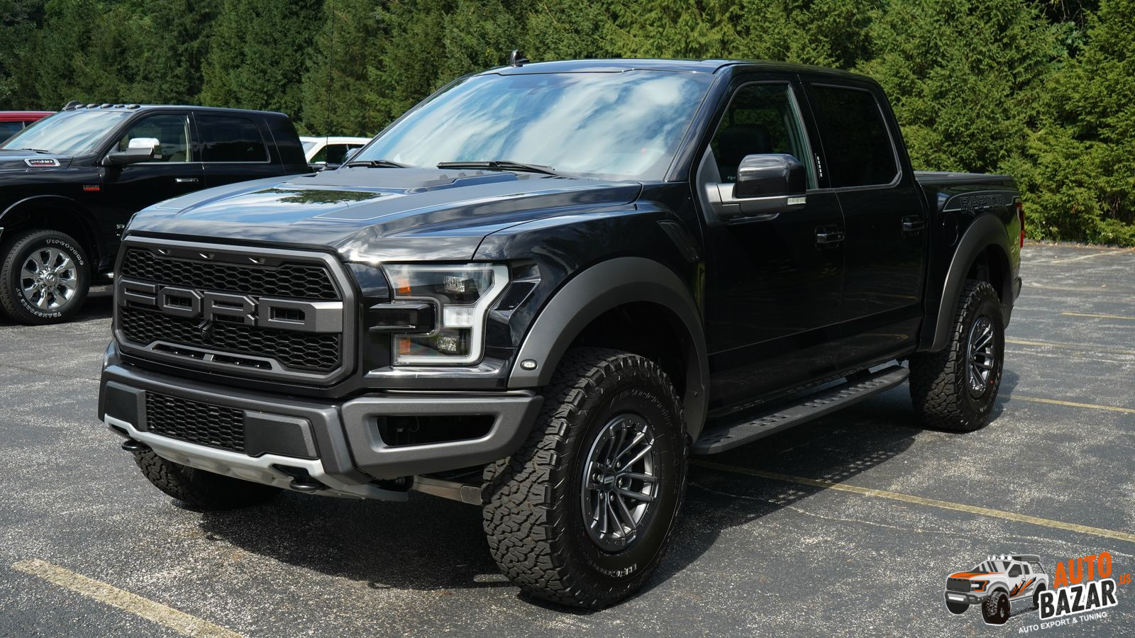 /storage/inventories/1072/1072 2020 Ford F150 Raptor (1).JPG