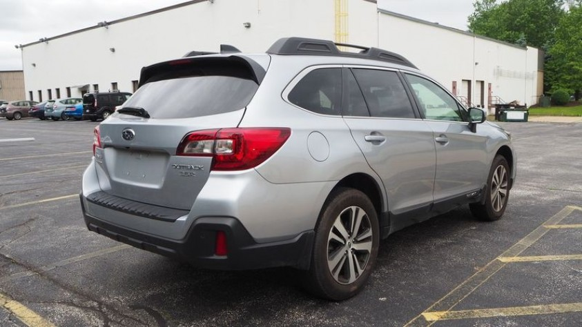 /storage/inventories/1014/1014_2018_Subaru_Outback_03.JPG