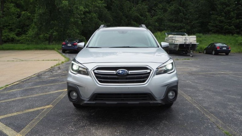 /storage/inventories/1014/1014_2018_Subaru_Outback_05.JPG