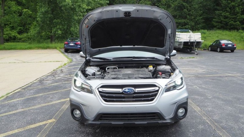 /storage/inventories/1014/1014_2018_Subaru_Outback_23.JPG