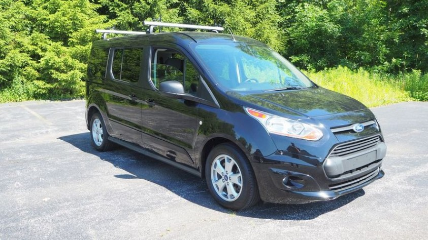 /storage/inventories/1015/1015_Ford_Transit_Connect_2016.JPG