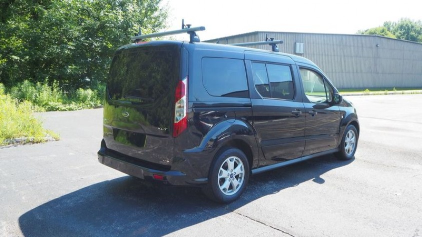 /storage/inventories/1015/1015_Ford_Transit_Connect_2016_04.JPG