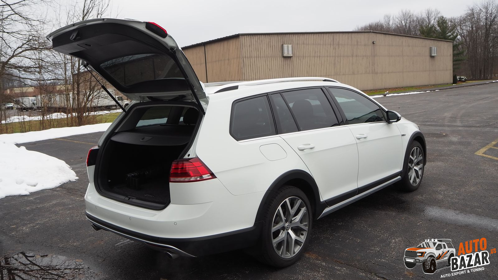 /storage/inventories/1031/1031_Volkswagen_Golf_Alltrack_2018_09.JPG
