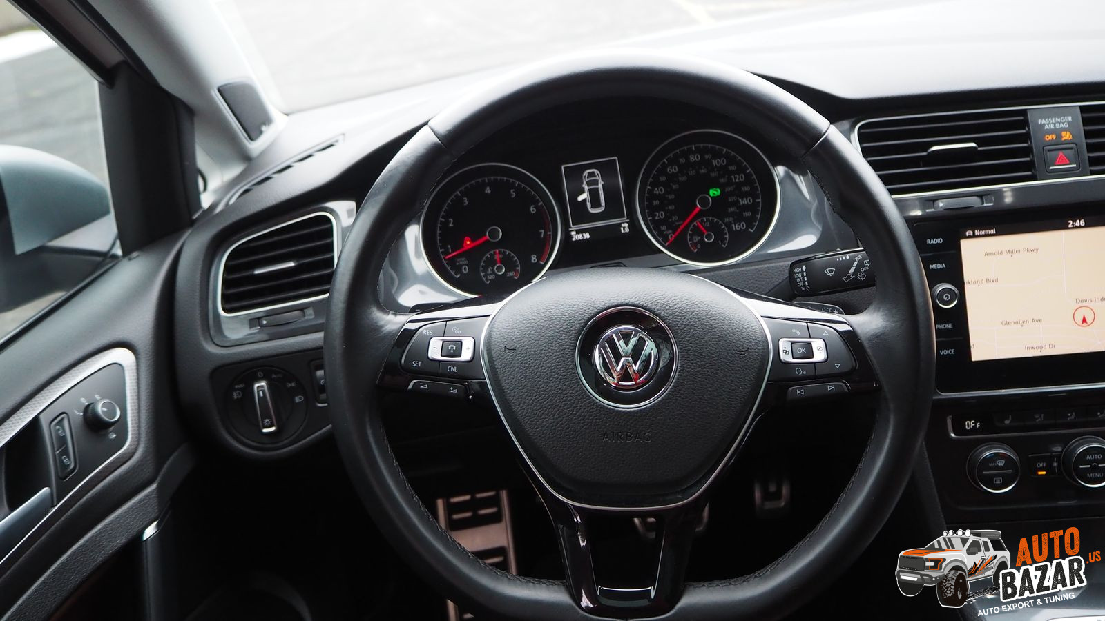/storage/inventories/1031/1031_Volkswagen_Golf_Alltrack_2018_30.JPG