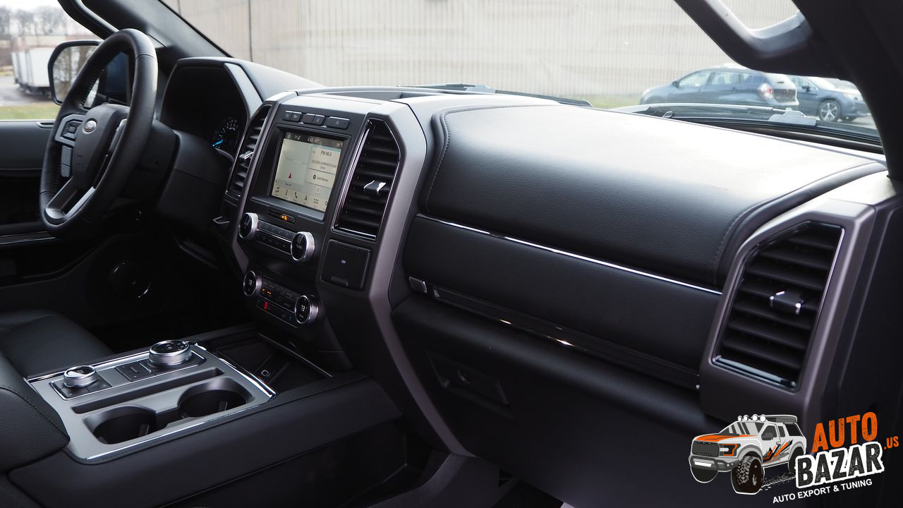 /storage/inventories/990/2019 Ford Expedition (32).JPG