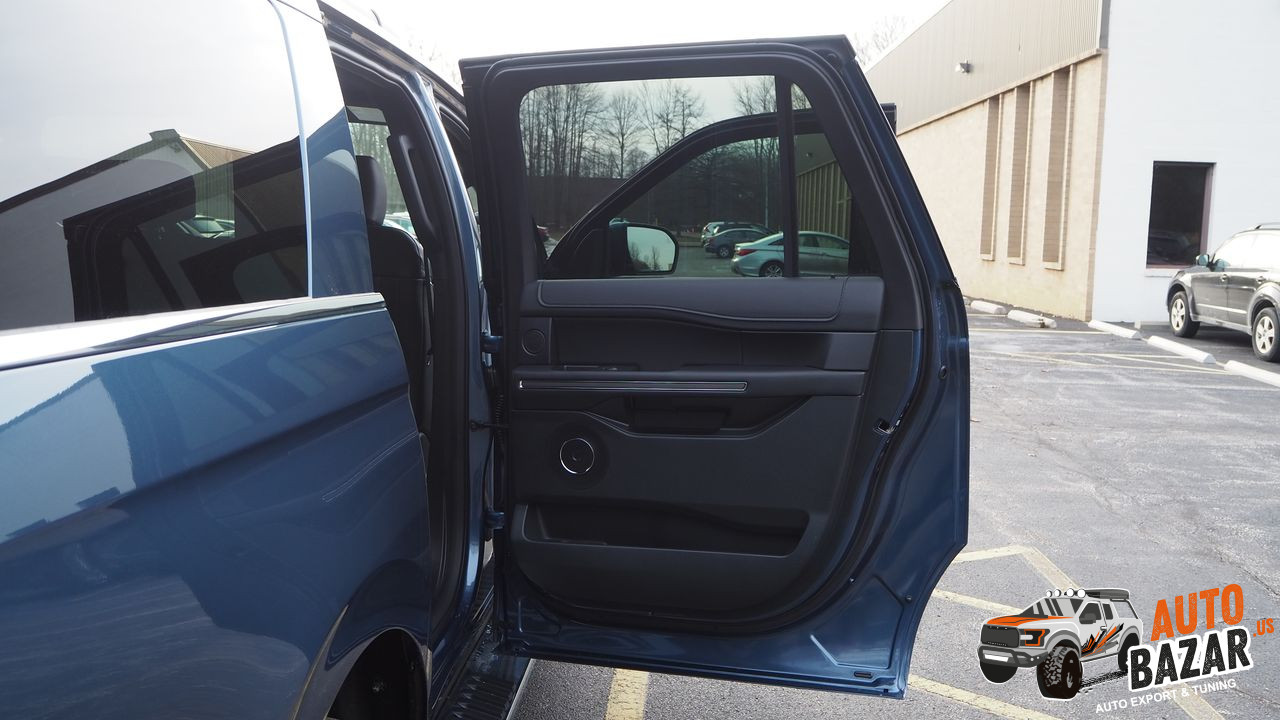 /storage/inventories/990/2019 Ford Expedition (40).JPG